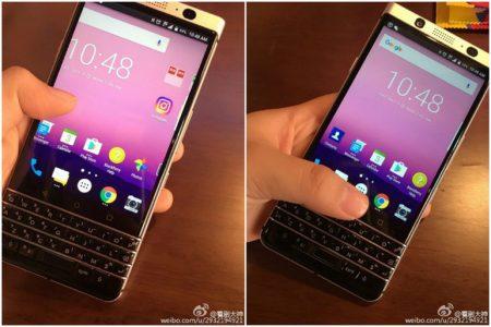 Смартфон BlackBerry Mercury с QWERTY клавиатурой позирует перед камерой