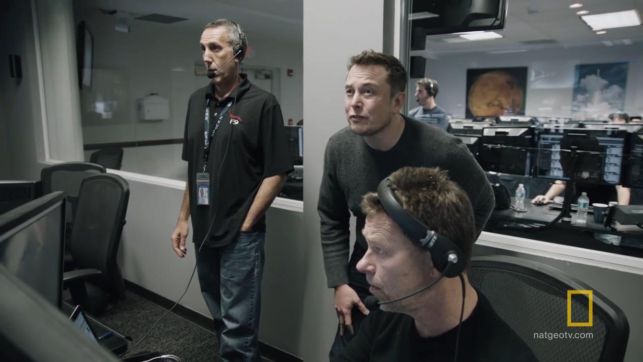 Вдохновляющее видео среакцией команды Илона Маска науспешную посадку ракеты