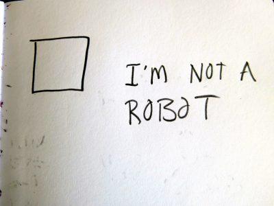 Робот доказал, что он не робот, обойдя соответствующую капчу
