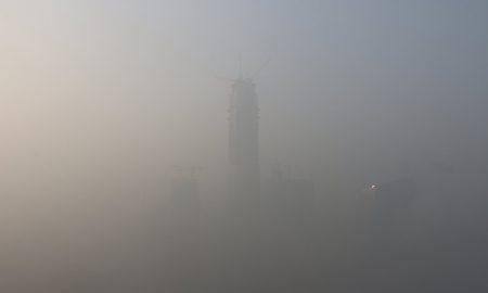 В Китае впервые объявили красный (самый высокий) уровень опасности из-за смога
