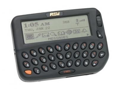 18 лет назад вышло первое устройство под брендом BlackBerry – беспроводной коммуникатор BlackBerry 850