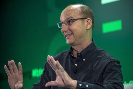 Создатель Android Энди Рубин делает высококлассный смартфон с модульной конструкцией и безрамочным дизайном. Его выход ожидается уже в этом году