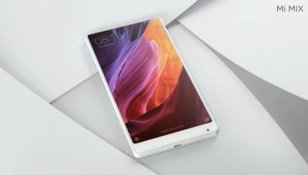 Xiaomi представила белый вариант смартфона Mi Mix и новый роутер Mi Router HD с накопителем объемом 8 ТБ