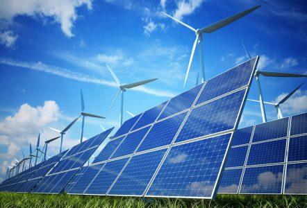 В 2017 году Львовская область собирается построить 3 ветровые, 2 промышленные и 100 малых солнечных электростанций