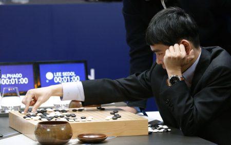 Таинственным игроком в го, одержавшим 60 побед над лучшими из лучших, оказался ИИ Google