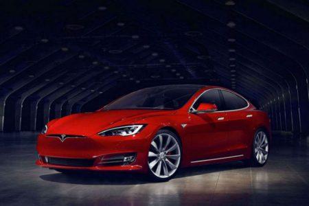 Tesla выпустила обновление Enhanced Autopilot для электромобилей на базе аппаратной платформы второго поколения