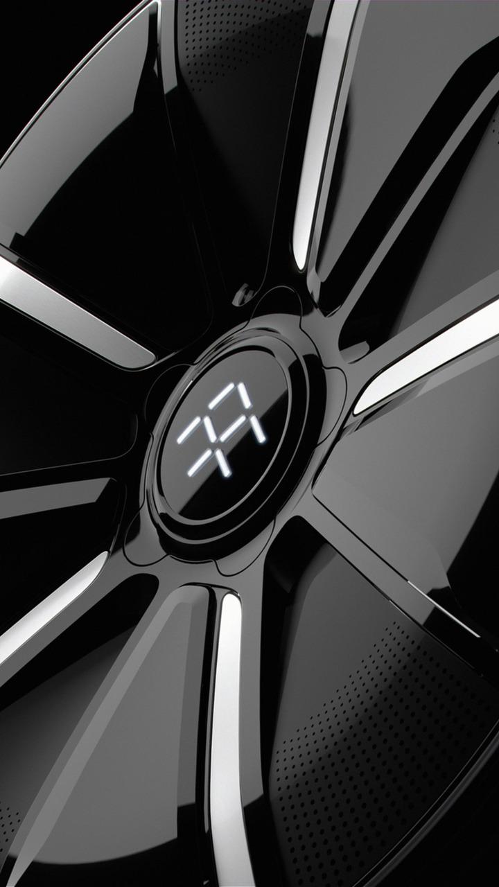 Faraday Future наконец показала свой первый серийный электромобиль FF 91, который выйдет только в 2018 году и весьма ограниченной партией из 300 штук