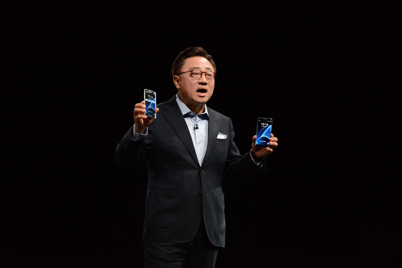 Самсунг не будет презентовать Galaxy S8 наMWC