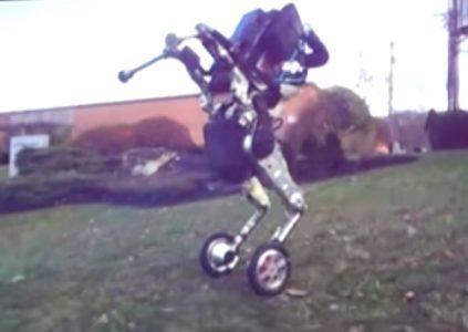 Новый робот Handle от Boston Dynamics способен передвигаться и балансировать на двух колёсах