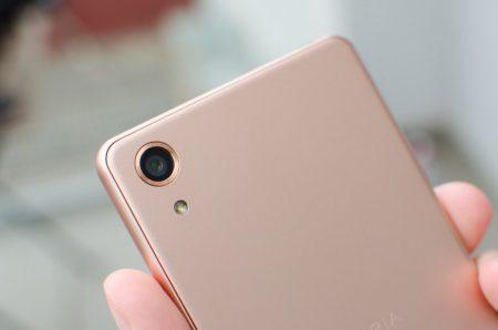 У Sony готов первый в отрасли трехслойный датчик изображения со встроенной памятью DRAM для камер смартфонов, поддерживающий съемку видео 1080p при 1000 FPS