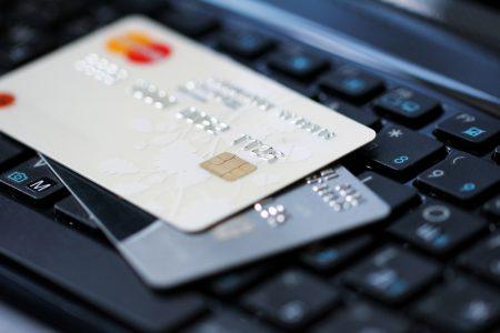 В 2016 году от мошенничества пострадал каждый сотый держатель платежных карт в Украине, «доход» мошенников составил почти 340 млн грн