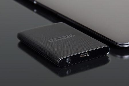 Transcend ESD220C — портативный SSD-накопитель с размерами кредитной карты и емкостью до 480 ГБ