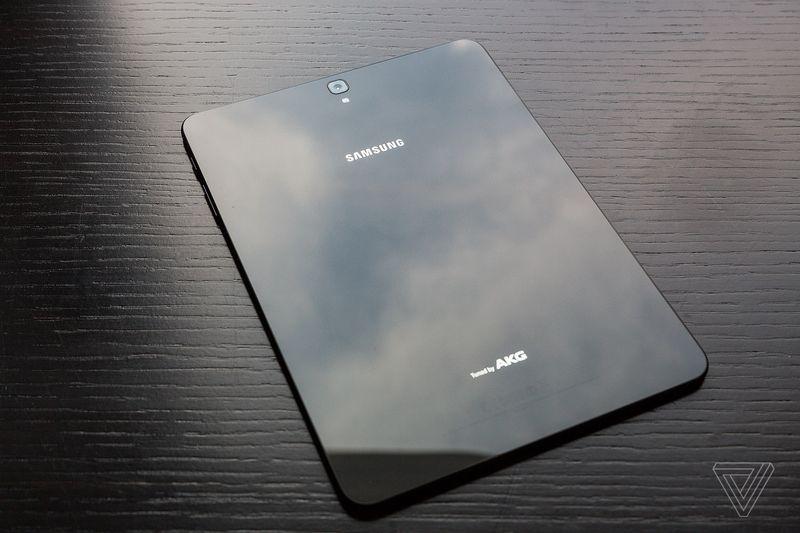 Размещен качественный пресс-рендер телефона Самсунг Galaxy S8