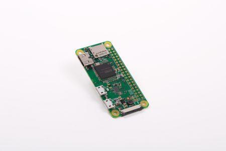 Микрокомпьютер Raspberry Pi Zero W с поддержкой Wi-Fi и Bluetooth оценен в $10
