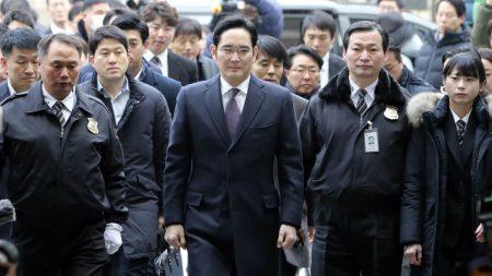 Руководитель Samsung арестован по делу о взятках подруге президента Южной Кореи