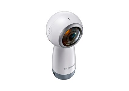 Новая модель панорамной камеры Samsung Gear 360 снимает в разрешении 4К