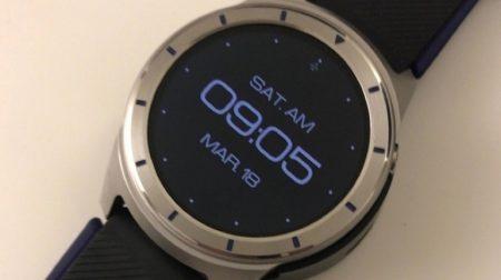 Опубликованы реальные фотографии умных часов ZTE Quartz с ОС Android Wear 2.0