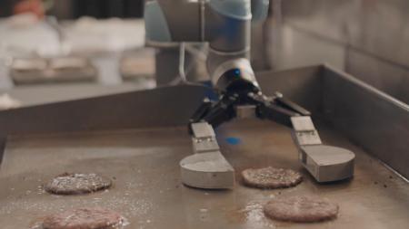 Flippy — робот, который помогает делать бургеры