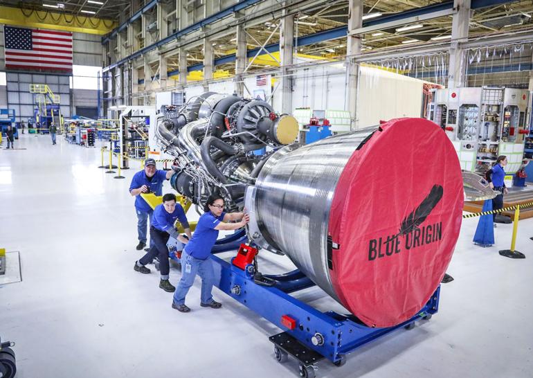 Blue Origin завершила сборку первого двигателя BE-4 который планируется использовать в ракете New Glenn