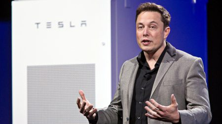 Илон Маск готов построить в Украине резервное хранилище энергии, аналогичное проекту в Австралии