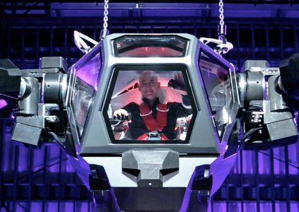 «Как Сигурни Уивер в фильме «Чужие»»: Глава Amazon испытал огромного человекоподобного робота Method-2 [видео]