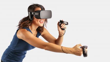 Комплект из гарнитуры виртуальной реальности Oculus Rift и контроллеров Oculus Touch подешевел на $200