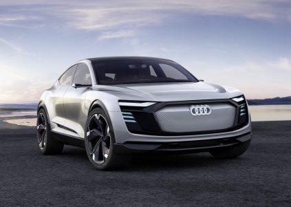 На Шанхайском автосалоне показали электрический кроссовер Audi E-tron Sportback, серийная версия которого выйдет уже в 2019 году