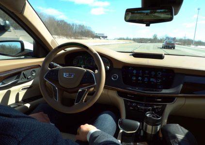 GM бросает вызов Tesla с системой автоматического управления Super Cruise, которая будет доступна владельцам нового Cadillac CT6 этой осенью