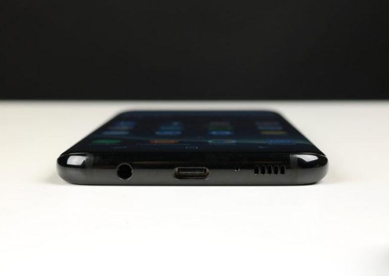 Компания Самсунг несправилась сосвоевременной доставкой Galaxy S8