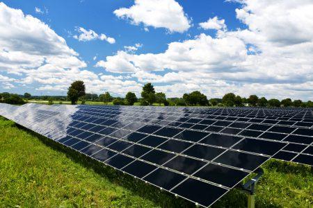 На Кировоградщине строят солнечную электростанцию мощностью 17 МВт, запуск намечен на июнь