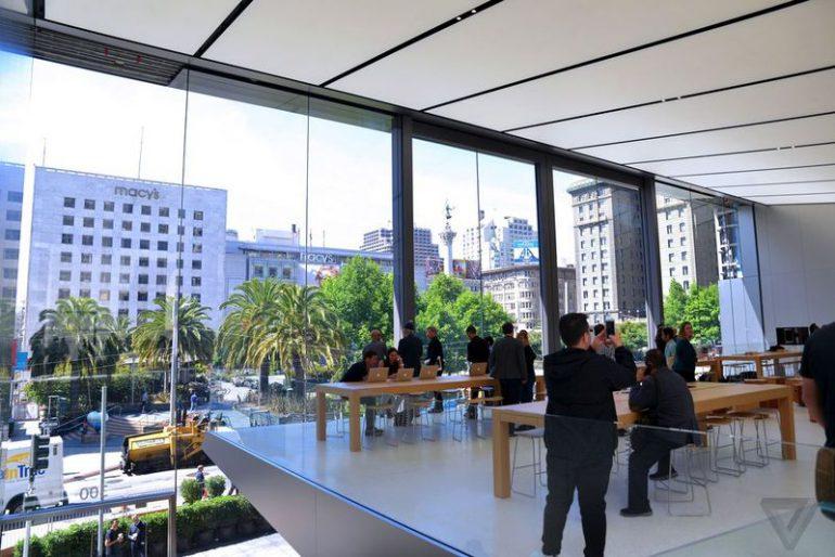 Apple впервые за 15 лет существенно обновит дизайн розничных магазинов и запустит бесплатную образовательную программу Today at Apple