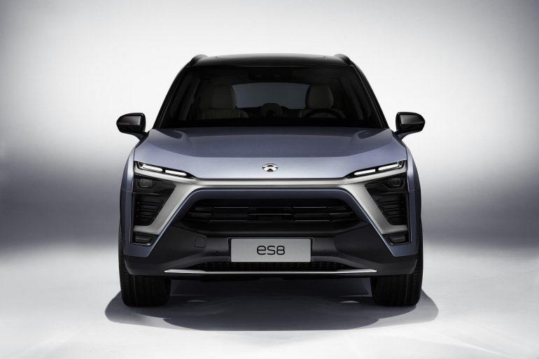 Создатели гиперкара NIO EP9 представили семиместный электрокроссовер NIO ES8, который должен стать бюджетным аналогом Tesla Model X