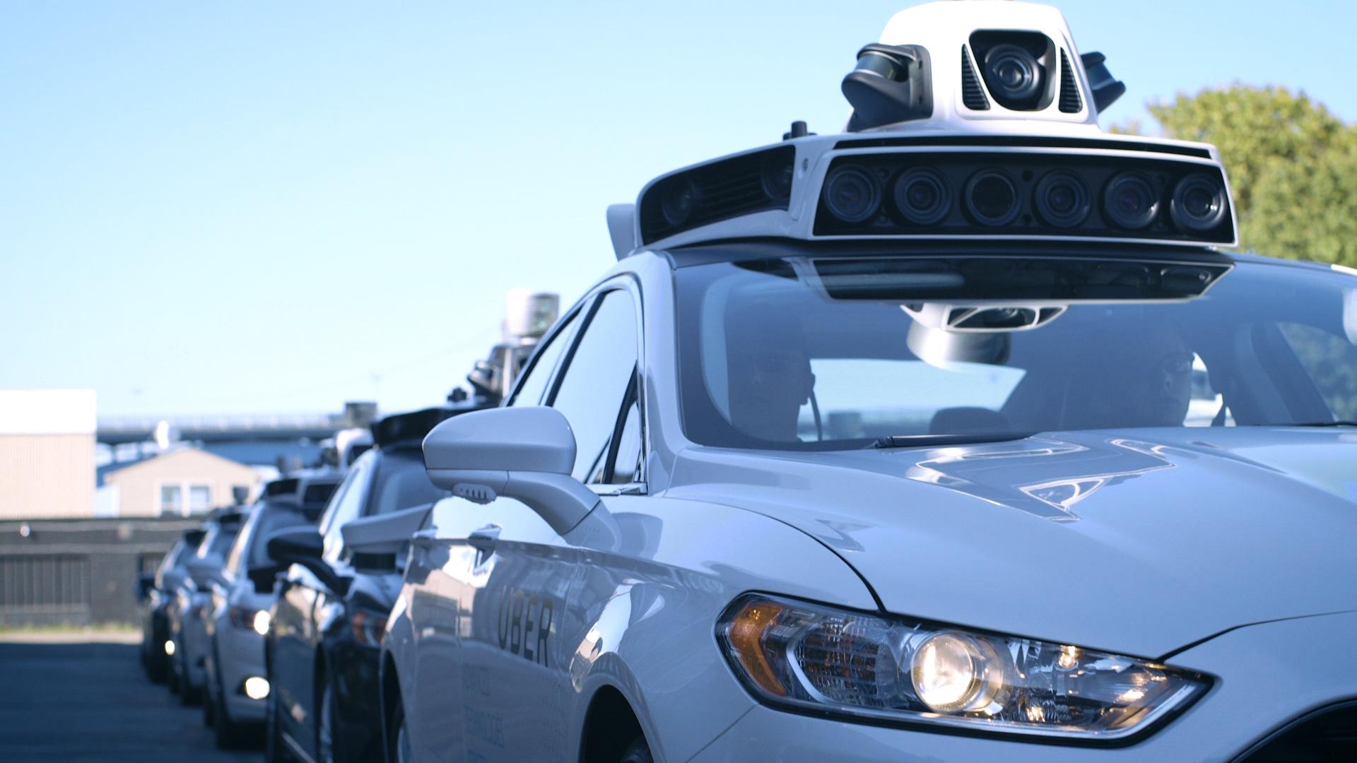 Руководитель программы посозданию самоуправляемых машин Uber покинул компанию