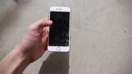 Прочность Samsung Galaxy S8 и нового красного Apple iPhone 7 сравнили в серии дроп-тестов [видео]