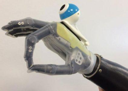 Исследователи научили протез руки распознавать объекты при помощи камеры и искусственного интеллекта