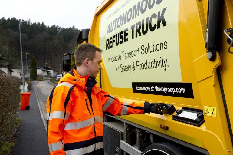 Компания Вольво приступила киспытаниям беспилотного мусоровоза