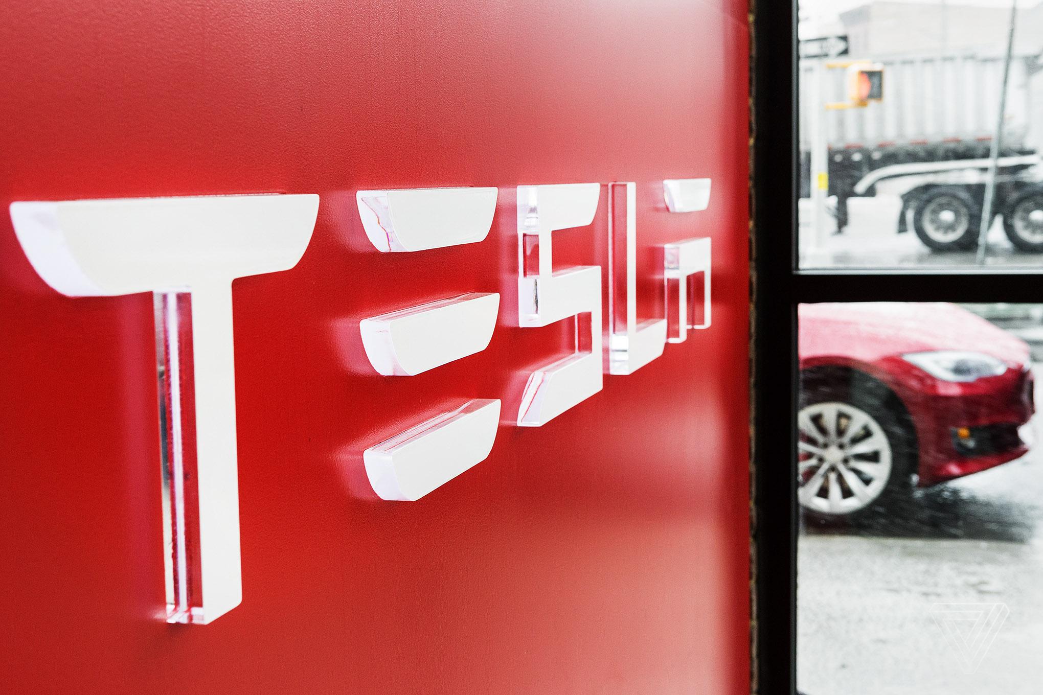 Руководитель Tesla поведал обудущем компактном кроссовере