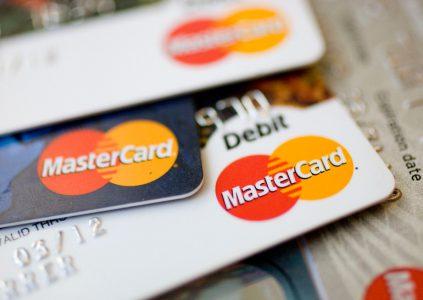 Mastercard намерена ускорить осуществление платежей при помощи чипованных карт