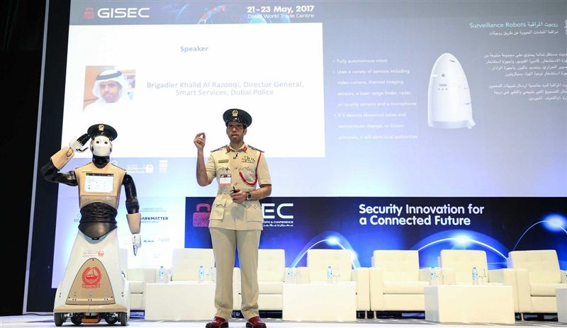 К 2030 году в Дубае появится полицейский участок из одних роботов, первый робот-полицейский выходит на службу уже на этой неделе