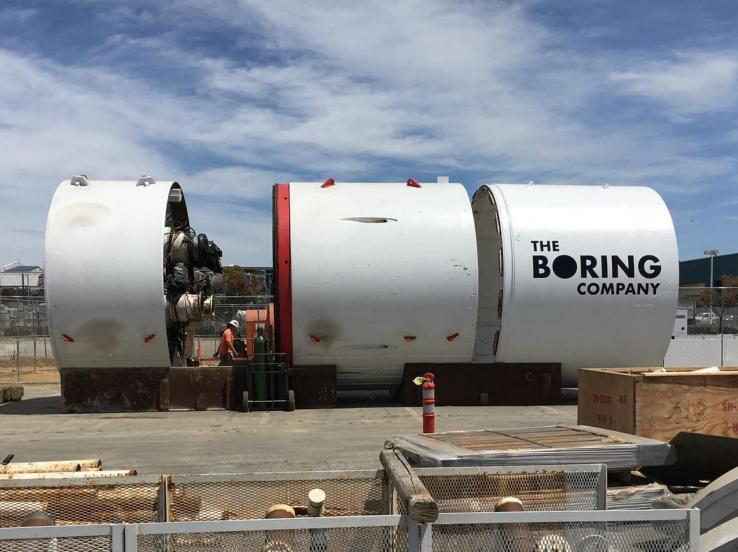 Илон Маск показал ролик с тестирования скоростного тоннеля