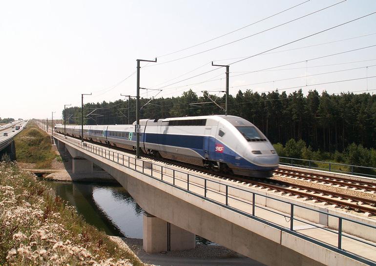 Франция решила вводить беспилотные высокоскоростные поезда
