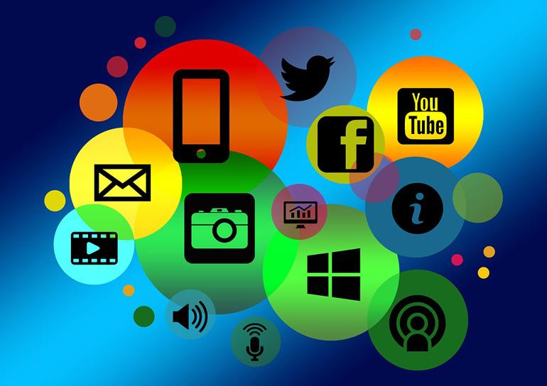 ВГермании социальная сеть Facebook, Твиттер иYouTube будут облагать штрафом за неверные новости