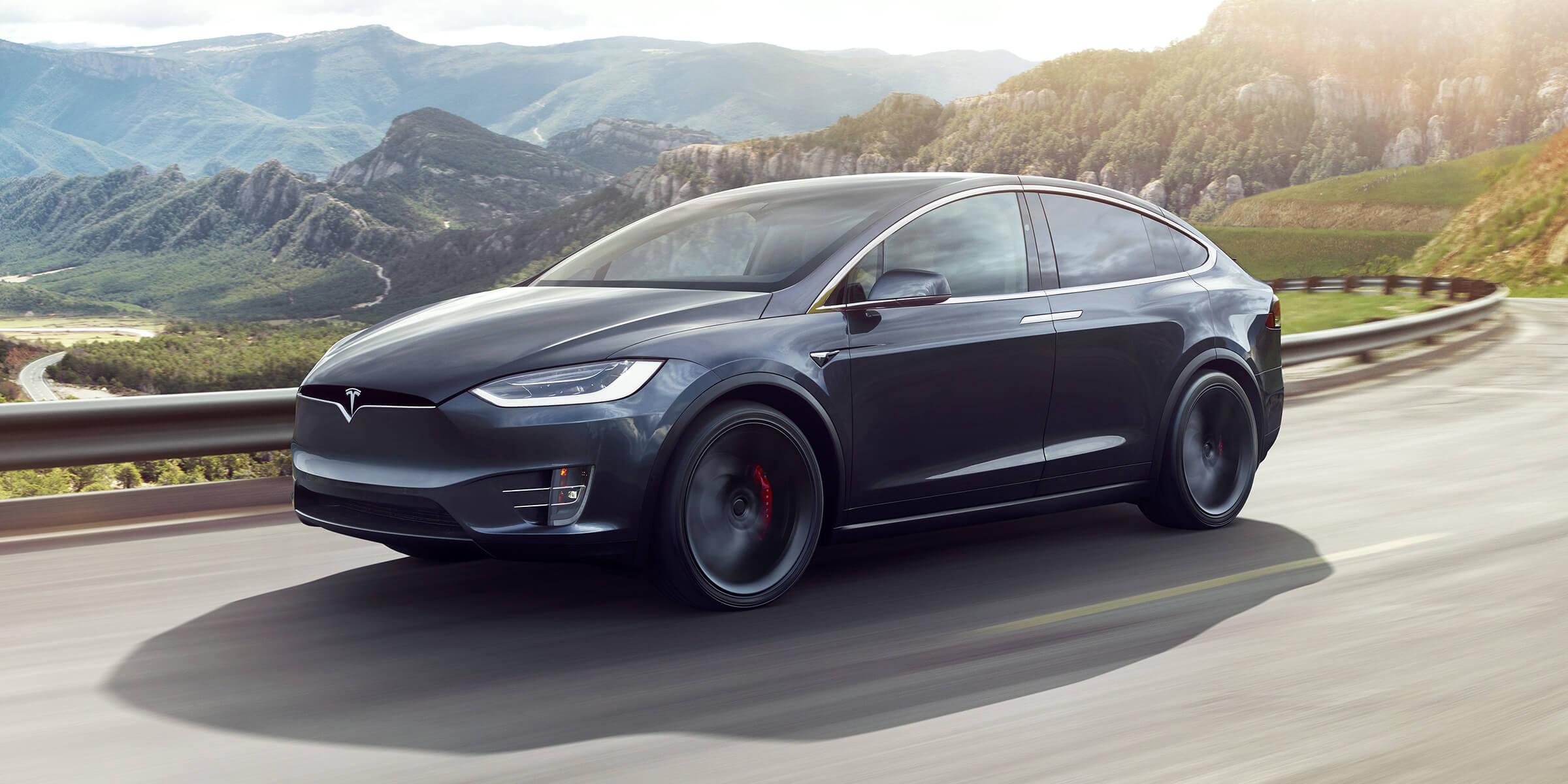 Tesla Model X — самый безопасный автомобиль в своем классе, по версии NHTSA [видео краш-тестов]