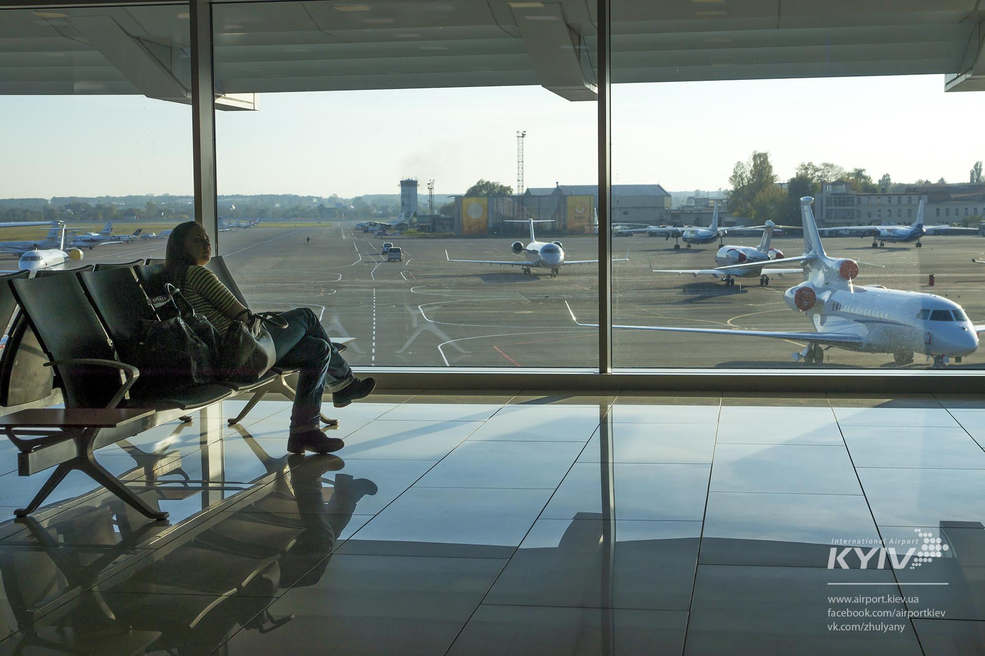 После введения «безвиза» изаэропорта Жуляны стало вылетать на60% больше пассажиров