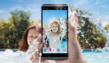 Смартфон LG Q8 — уменьшенная копия флагманской модели LG V20, защищенная от проникновения пыли и воды (IP68)