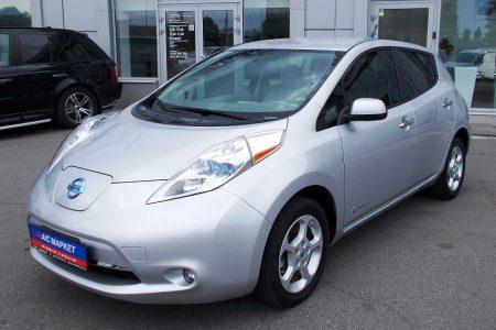 Украинский автохолдинг «АИС» начал импортировать б/у электромобили из США и уже предлагает Nissan Leaf по цене от 299 тыс. грн
