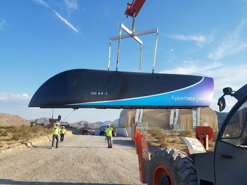 Hyperloop One провела первые полноценные испытания своего вакуумного поезда Hyperloop на тестовом треке в Неваде
