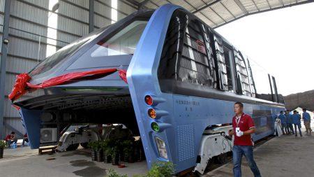 Фантастический китайский автобус-тоннель оказался аферой, китайская полиция начала проводить аресты по делу о мошенничестве
