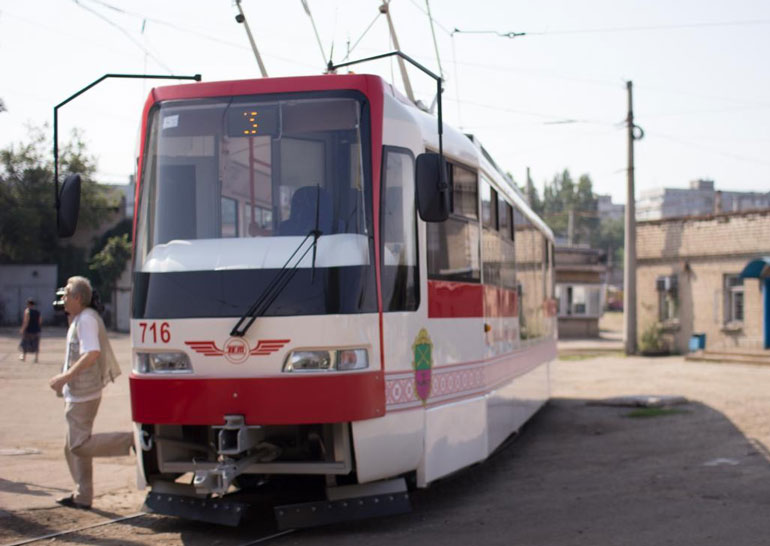 Впервый раз за11 лет вЗапорожье намаршрут вышел новый трамвай