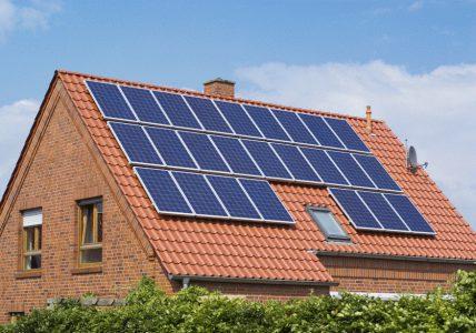 В первом полугодии более 500 украинских домохозяйств обзавелись солнечными панелями, общая установленная мощность достигла 24,8 МВт